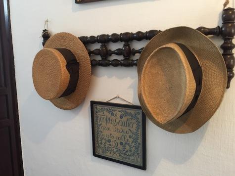 falla_hats