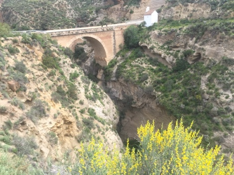 Puente Nazari and abandoned Tablate village